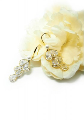Falling Leaves With Crystal And Pearl Earrings Gold