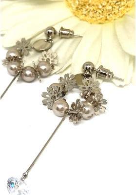Four Small Pearls With Long Bead Earrings Gold