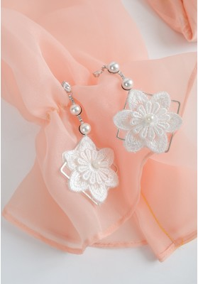 Big Flower With Pearl And Diagonal Frames Earrings White