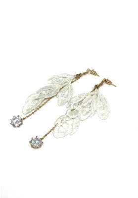 Flower Buds Chain With Round Diamond Earrings Black